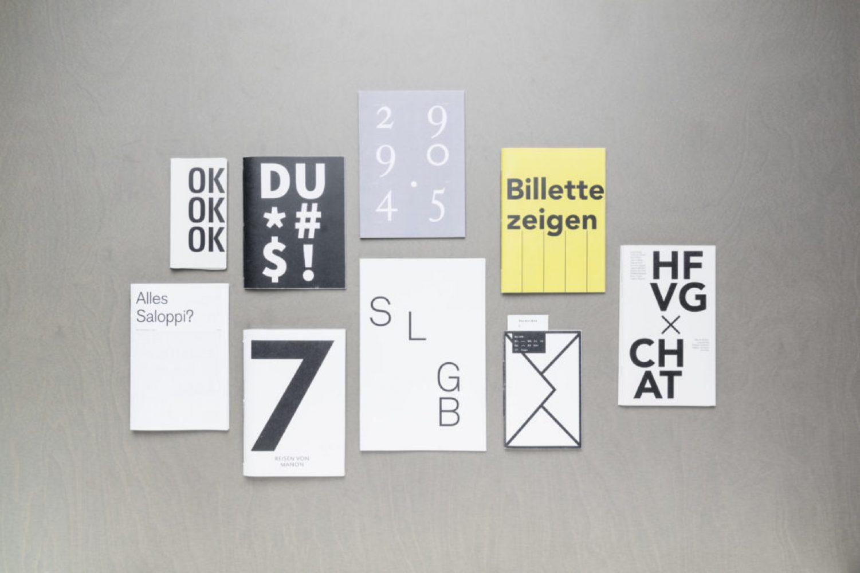 Herisau, Appenzell, Schweiz, 11. Juli 2017 - HF Gestalter, Buecher im Studio, GBSSG.